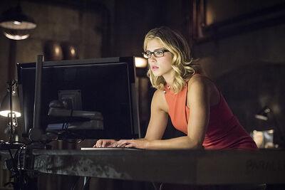 Arrow-season-3-premiere-felicity