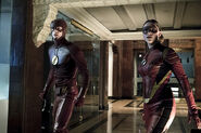 6.the flash the new rogues flash et jesse quick