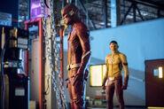 2.The Flash Mixed Signals Kid Flash et Flash