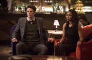 6.the-flash-episode-welcome-earth-2-barry-allen