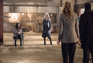 11.The Flash I Know Who You Are Cecil, Killer Frost, Tracy, Joe et Barry