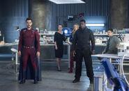 9.Supergirl-The Fanatical-Mon-El, Lena, Supergirl, J'onn et Winn