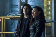 10.The Flash Elongated Journey into Night Cisco et Gypsy