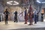 18.supergirl Worlds Finest lucy, supergirl, barry et winn