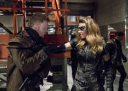 17.Thanksgiving Arrow Black Canary (II)