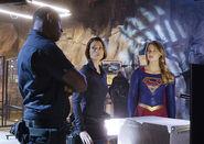 1.supergirl-bizarro-episode-hank