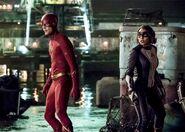 The-flash-season-5-still-barry-nora-1132788