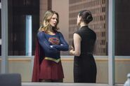 6.Supergirl Exodus Supergirl et lena Luthor