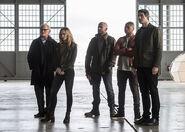 13.The Flash Invasion Stein, Sara, Mick, Jax & Ray palmer