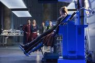 10.Supergirl-The Fanatical-Reign, Mon-El, Supergirl, Winn et Lena