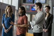 11.The Flash Borrowing Problems From the Future Cisco, Caitlin et Barry