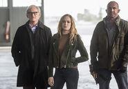 12.The Flash Invasion Stein, Sara & Mick