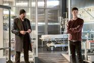 4.The Flash Finish Line Joe West et Barry
