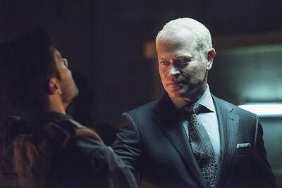 Arrow-season-3-premiere-neil