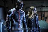 9.Arrow Honor Thy Fathers Mr. Terrific et Dinah Drake