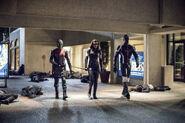 12.Arrow-We Fall-Wild Dog, Black Canary II et Mr. Terrific