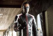 4.Arrow-We Fall-Mister Terrific
