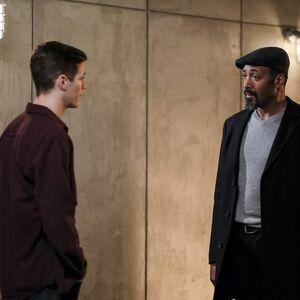 1.The-Flash-Untouchable-Barry et Joe.jpg