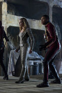 6.The Flash Invasion Speedy, White canary & firestorm