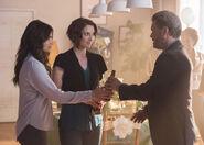 11.Supergirl Far From The Tree Alex, Maggie et Oscar Rodas