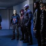 11.Arrow-You Have Saved This City-Bigsley, Wild Dog, Arsenal, Spartan, Bronze Tiger et Black Canary (Laurel II).jpg