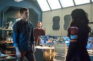 3.The Flash-elseworlds-part1-Barry, Oliver et Iris