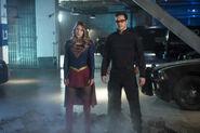 1 Supergirl we-can-be-heroes Supergirl et Mon-El