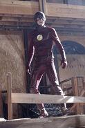 7.supergirl Worlds Finest flash