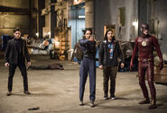 15.the-flash-episode-welcome-earth-2-team