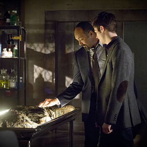 The-flash-episode-who-is-harrison-wells-morgue.jpg