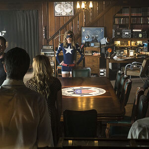 11-legends of tomorrow The Justice Society of America JSA & Team Legends.jpg