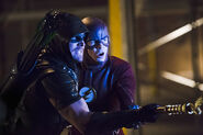 Arrow-crossover-legends-yesterday-lol