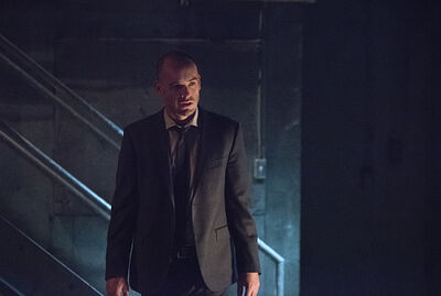 Arrow-episode-beyond-redomption-coucou