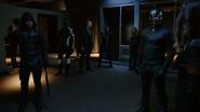 Czarny Kanarek pierwszy raz próbuje zabić Czarną Syrenę (5)
