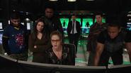 Team Green Arrow and Felicity read about Vigilante (1)