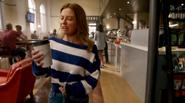 Becky zatruwa się kawą (3)