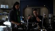 Harrison Wells (Earth-2) and Cisco Ramon job again (2)