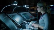 Felicity Smoak use Computers