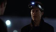 Harrison Wells (Earth-2) and Barry Allen closes portals (2)