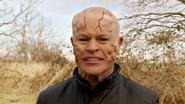 Mallus przenosi się z Nory do ciała Damiena Darhka (3)