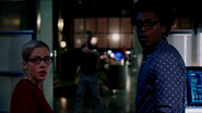 Curtis Holt and Felicity Smoak escapes from Double Down (1)