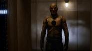 Harrison Wells (Earth-2) alias Reverse-Flash fight in Grodd (1)
