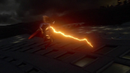 Supergirl fight with Flash because Dominators control her mind (1)