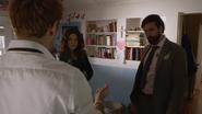 Constantine odprawia rytuał, aby odnaleźć zaginioną (3)