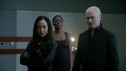 Damien, Eleanor i Kuasa torturują Raya Palmera (3)
