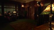 Eleanor rozmawia z Zari i kradnie totem powietrza (1)