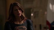 Supergirl trust Barry (1)