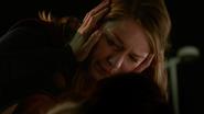 Kara em seus últimos momentos com Astra