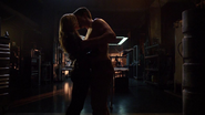 Sara Lance and Oliver Queen love in ArrowCave (4)