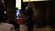 Evelyn Sharp aka Black Canary want kill Ruve Adams (8)